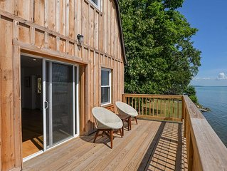 The Boat House: Wine Country and Lake Living -Recently Remodeled!