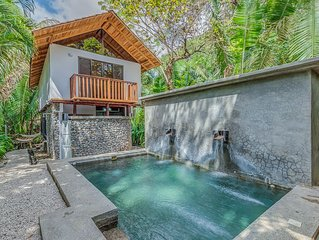 Sacred Spaces #2: Steps to Beach! Beautiful Balinese Style Home - Sleeps 4 comf