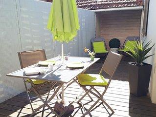 Charmante maison de 3  pieces avec patio en bois, 50 m de la plage et du marche