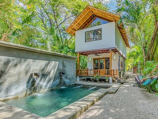 Sacred Spaces #1: Steps to Beach! Beautiful Balinese Style Home - Sleeps 4 comf