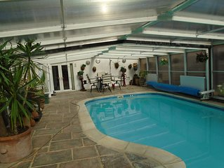 large bungalow near harrogate with hot tub and pool