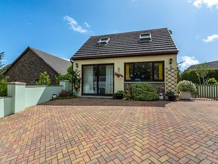 Morgan's Retreat is a super detached little cottage in Summerhill, a small hamle