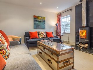 Lovely two storey four-bedroom townhouse which is extremely well-equipped