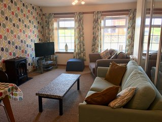 Ground floor, 2  bedroom flat in converted pub. Great location on The Rhins.