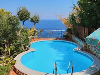 Beautiful 2 floors Villa Private Pool and Sea View,6 bedrooms,WiFi,SEAFRONT!