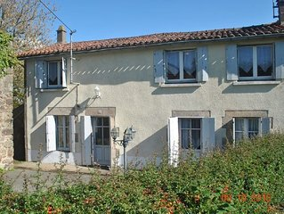 Lovely Secluded House close to Puy de Fou Theme Park