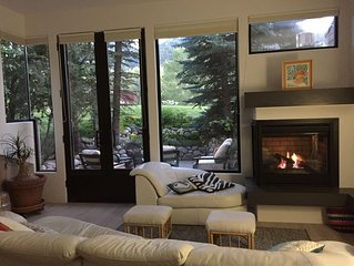 Beautiful 3+BR town-home!  Sleeps 8. Aspen. Mt views,Central Location. 1,967sqft