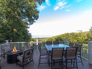 Remarkable views, Luxurious 4 bed/4 bath close to Lake Winni and Gunstock