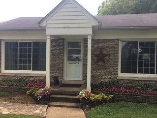 Guest House on Kentucky Working Thoroughbred Horse Farm