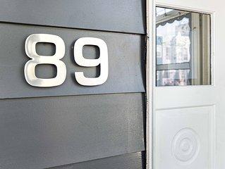 SCANDINAVIAN MODERN & CHIC 3 BR. HOUSE-15 min to NYC