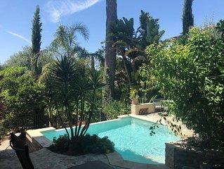 Jolie villa 1930 proche plage et commerces piscine chaufée beau jardin pour 8