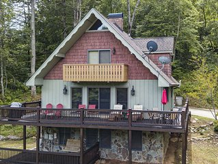 Swiss Chalet cabin located in Hayesville NC. Mountain Views, Pool Table