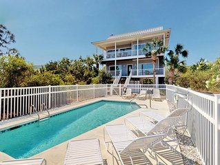 TurnTide is ready to host your Plantation escape - private pool, amazing views,