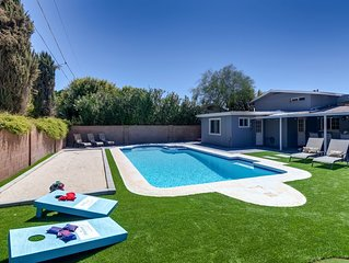 FABULOUS 4BR/3BA HEATED POOL SCOTTSDALE- SLEEPS 16