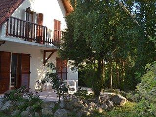 maison individuelle avec Jardin route des vins (5 chambres, 10 couchages)