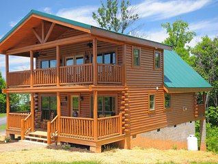 Brand New Cabin:Convenient to Everything the Smokies has to offer!