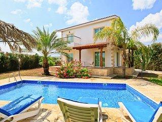Villa Nansoula: Large Private Pool, Walk to Beach, A/C, WiFi, Car Not Required,