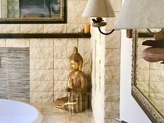 Camere nuove in appartamento, confortevoli belle per relax o per lavoro