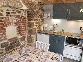 La Boulangerie, petit gite authentique pour 2,  entre Barfleur et St Vaast