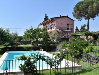 Luxury Sicilian Villa with Large Pool, Vineyard and Views of the Sea and Mt.Etna