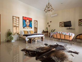 Ceiba. Eclectic place close to the beach with free Wi-Fi and pool area�☀♥