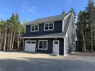 Acadia New Construction! 2nd Floor Apartment Close to Acadia, 2 Minutes from SWH