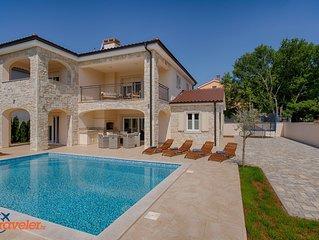Neue Stein Villa mit Pool, 600 Meters vom dem Strand, Meerblick, ruhige Lage