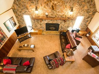 Spacious Mountainside Cabin Perfect for Extended Family or Large Group!