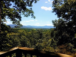Amazing Views at Grand View - linens included, pet friendly
