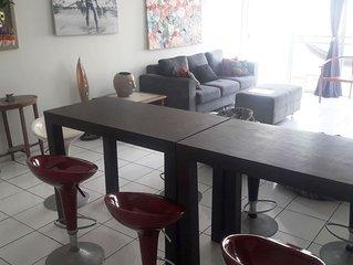 Apartamento Amplo, Arejado e Decorado a 3 quadras da Praia de Boa Viagem