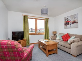 Riverside apartment for 2 in Inverness.