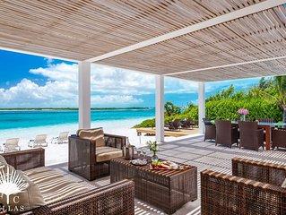 Beachfront Villa Aquazure // Luxury & Privacy in Paradise