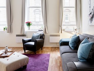 Perfectly located City Centre apt. Scott House.
