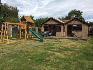 Family-friendly Apartment near London Heathrow Airport with off-street parking