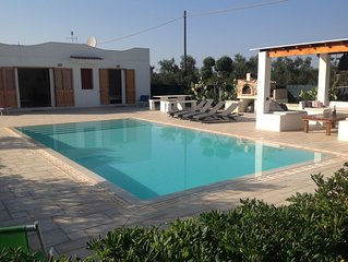 Superb spacious 4 bedroom villa with pool ,3km sea nr Carovigno,Ostuni,Puglia