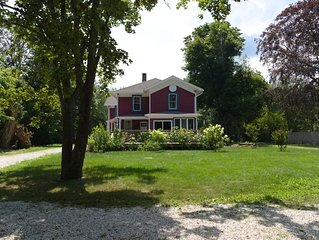Gorgeous Historical 7 bdrm House in the GREENPORT area for Bachelorettes.