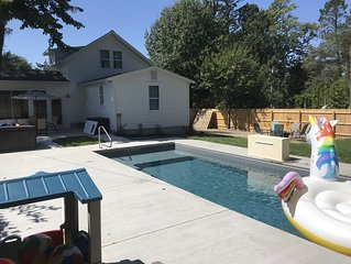 Lake Escape Downtown New Buffalo w/Private Pool & Hot Tub