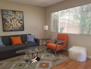 Modern cozy boutique house near Gooogle HQ-2BR, sleeps up to 6!