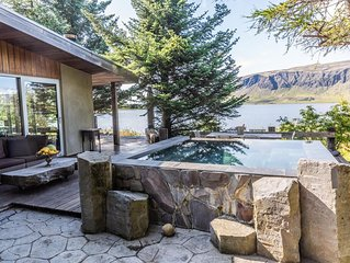 Lakefront Luxury Villa - Modern - Breathtaking view - Infinity hot tub