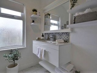 Newly Renovated Charming Victorian house... near Churchtown Village