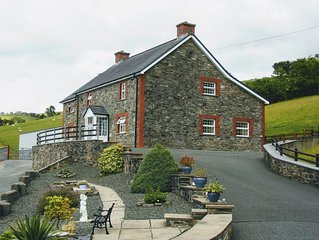 Sunnyside spacious homely 7 bedroom Brecon Beacons Wales