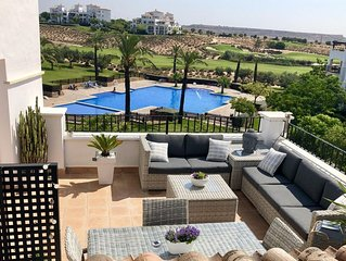 Luxury Penthouse Overlooking Pool And 4th Fairway