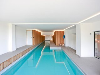 Belle villa piscine intérieure de 2016