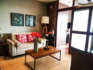 Quality stay*West Insula Condo,QC w/ WIFI & cable