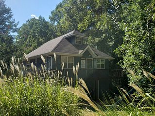Beautiful Home on Lake Hartwell- Cozy-Tranquil-The Perfect Getaway!