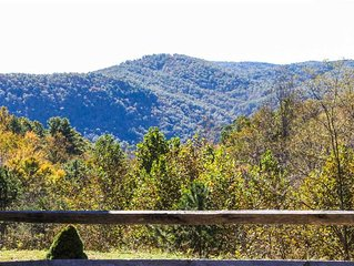 Private Log Cabin- Great Views, Hot Tub, WiFi, Fireplace, Near Boone