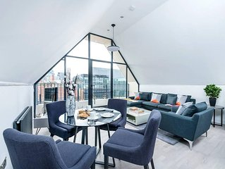 Stylish 2BR Flat in Whitechapel with City Views