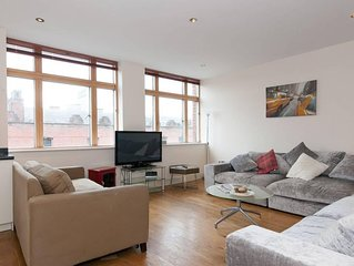 Amazing 3BR Penthouse Suite with Roof Terrace
