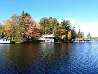Deja Blue~Mary Lake boathouse~Full of charm!