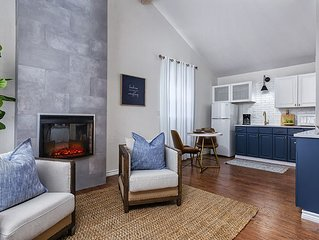 Absolutely Charming Dream Catcher Suite, Newly Remodeled, Walk to Main
